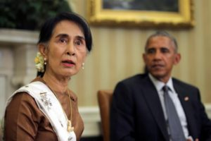 Myanmar's State Counsellor Aung San Suu Kyi meets with U.S. President Barack Obama at the Oval Office of the White House in Washington, D.C., U.S. September 14, 2016. REUTERS/Carlos Barria